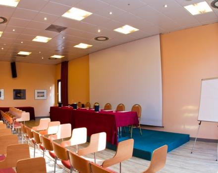 Discover the conference rooms in the Best Western Hotel Modena District and organize your events in Modena