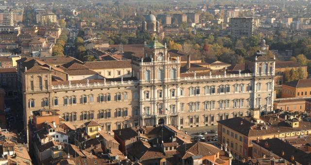 the Ducal Palace of modena is home to the Military Academy, the pride of the Italian army
