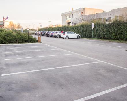 Hotel private parking lots